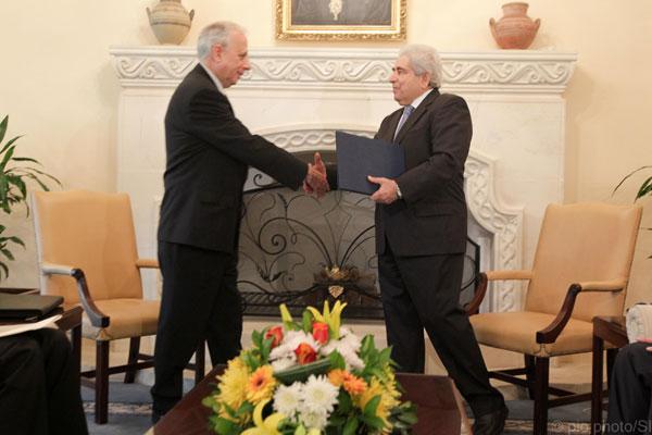Ο νέος υποδιοικητής λαμβάνει την Πράξη Διορισμού του από τον Πρόεδρο της Δημοκρατίας