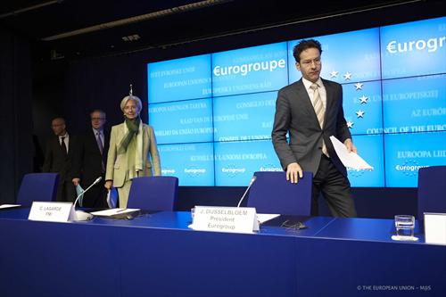 From left to right: Ms. Christine LAGARDE, Managing Director of the IMF; Mr Jeroen DIJSSELBLOEM, President of the Eurogroup; Mr Olli REHN, Vice President of the European Commission; Mr Klaus REGLING, Chief Executive Officer.